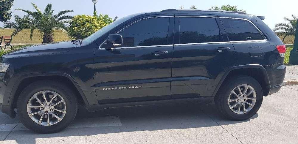 JEEP Cherokee Laredo 2014 - 49000 km