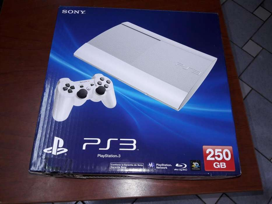 SE VENDE PLAY STATION 3 SONY COLOR BLANCO