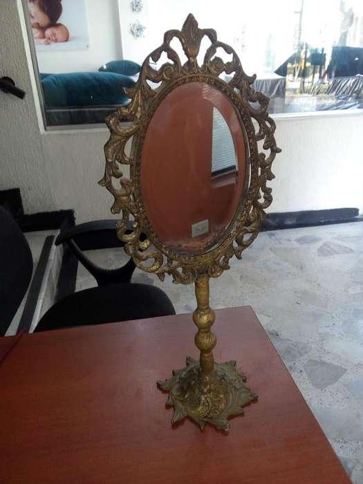 Vendo Antigio Espejo en Bronce