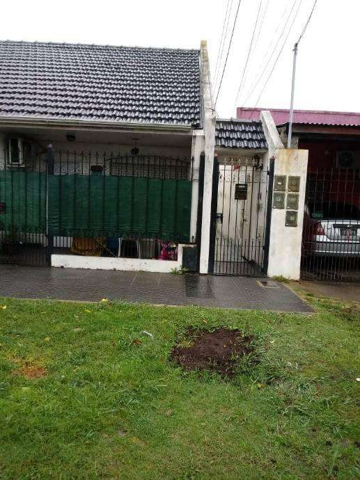 Departamento Tipo Casa en alquiler en Sarandi Oeste