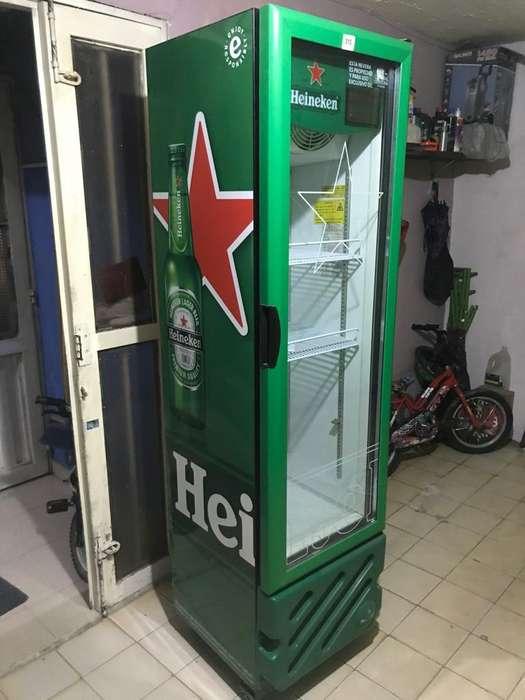 Nevera - refrigerador mostrador vertical Heineken