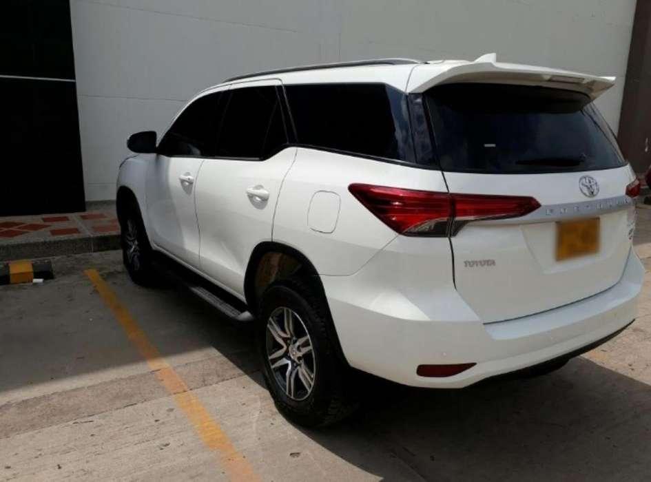 Toyota Fortuner 2019 - 10500 km
