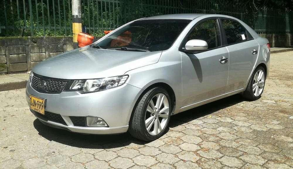 Kia Cerato Forte 2012 - 148900 km