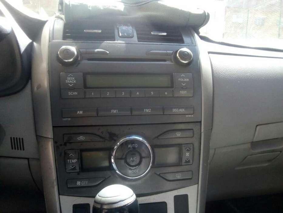 Toyota Corolla 2011 - 80000 km
