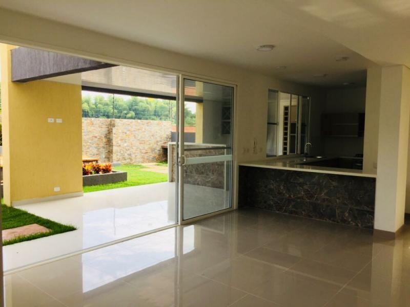 Casa En Arriendo/venta En Cali El Castillo Cod. ABPRO2890