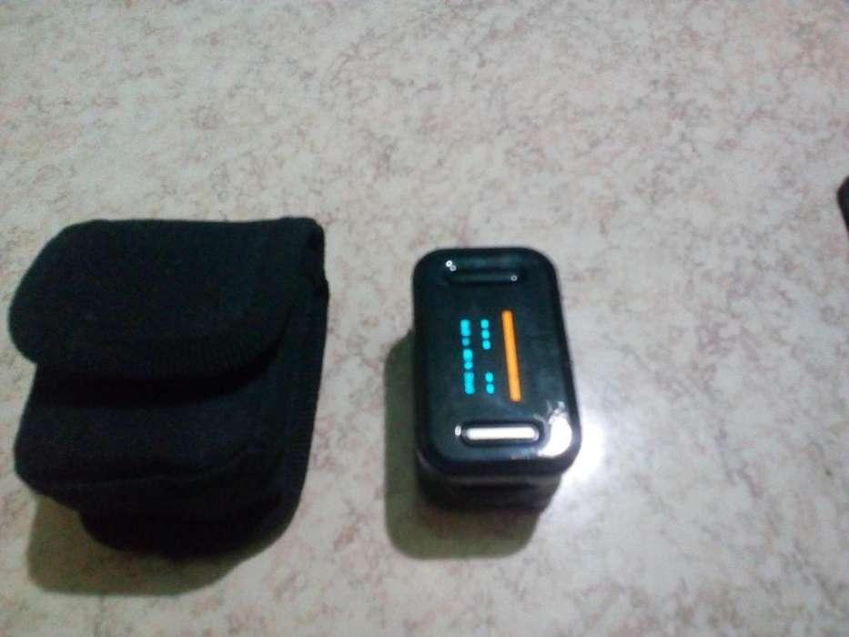Pulse Oximeter Oxímetro de Pulso