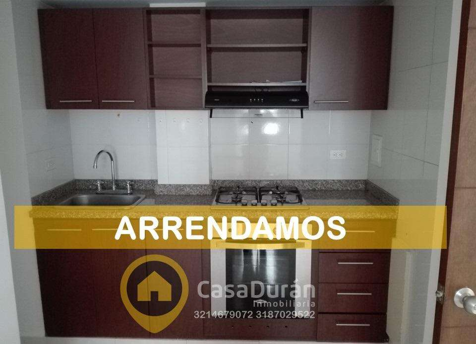 A137 ARRIENDO APTA ESTUDIO CON PARQUEADERO