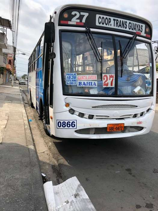 Bus Mercedez Benz