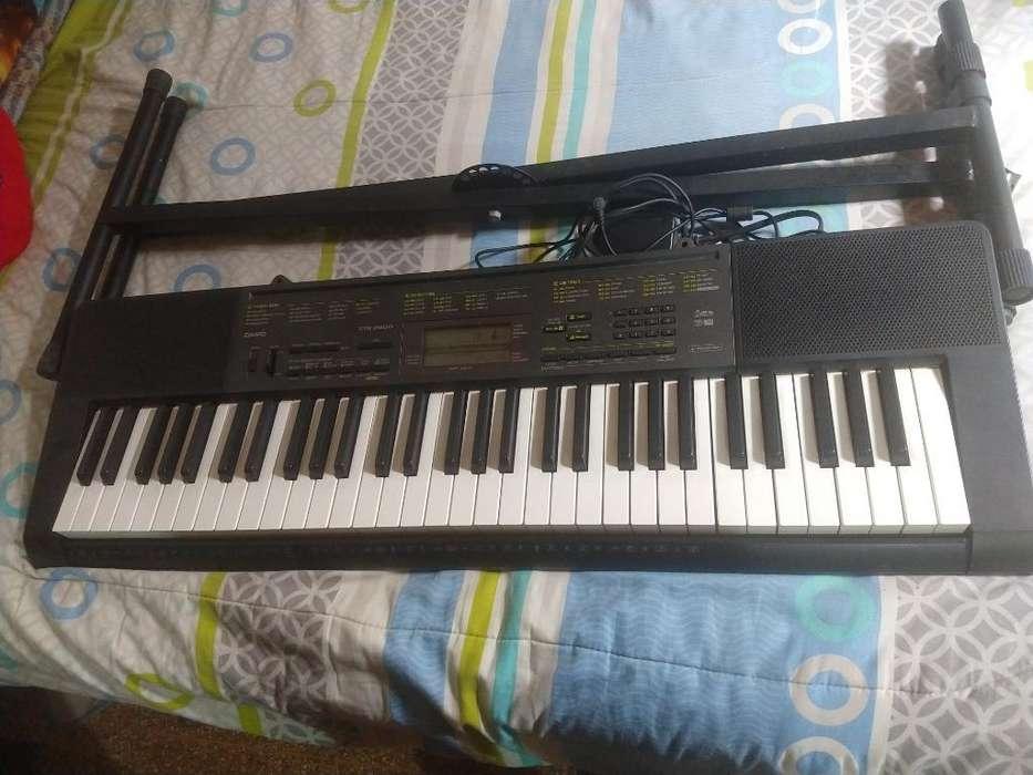 Se Vende Organeta (piano) Ctk-2200 Casio