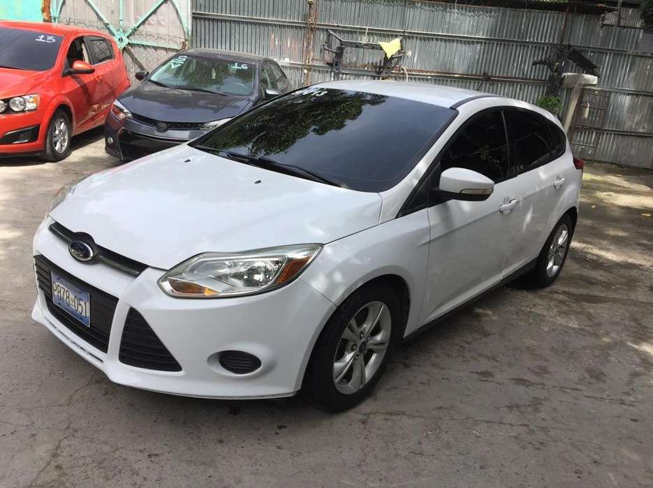Ford Focus 2013 - 76100 km
