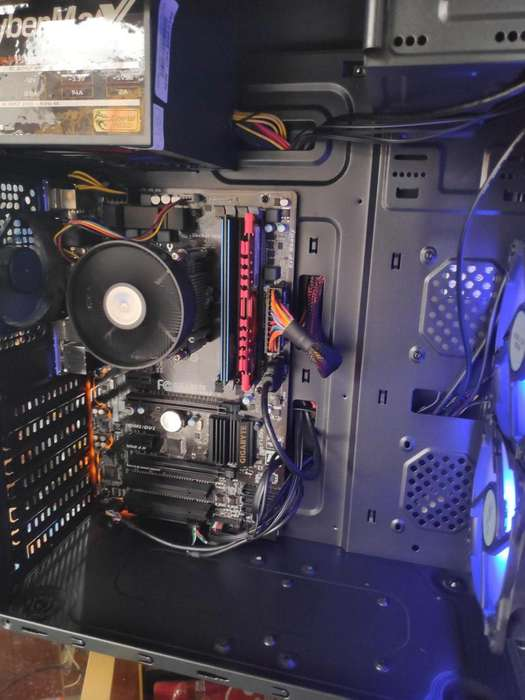 CPU CORE I7 4790 8GB DDR3 SSD 240GB, CASE GAMER
