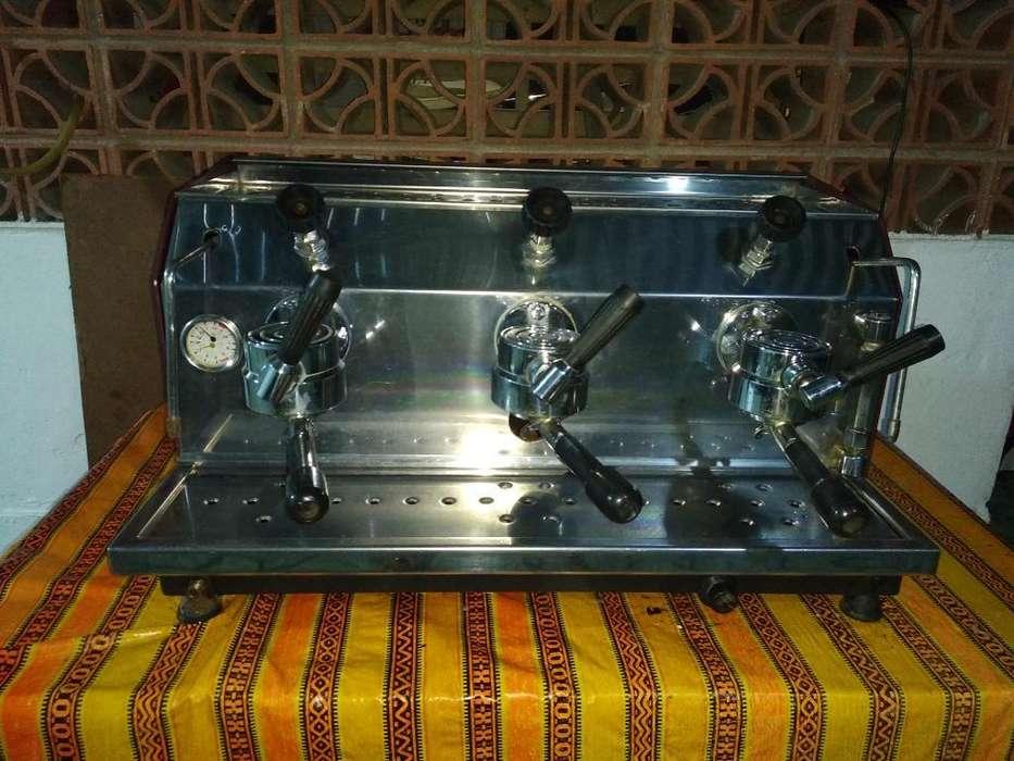 Vendo Cafétera Mónaco a La Mejor Oferta