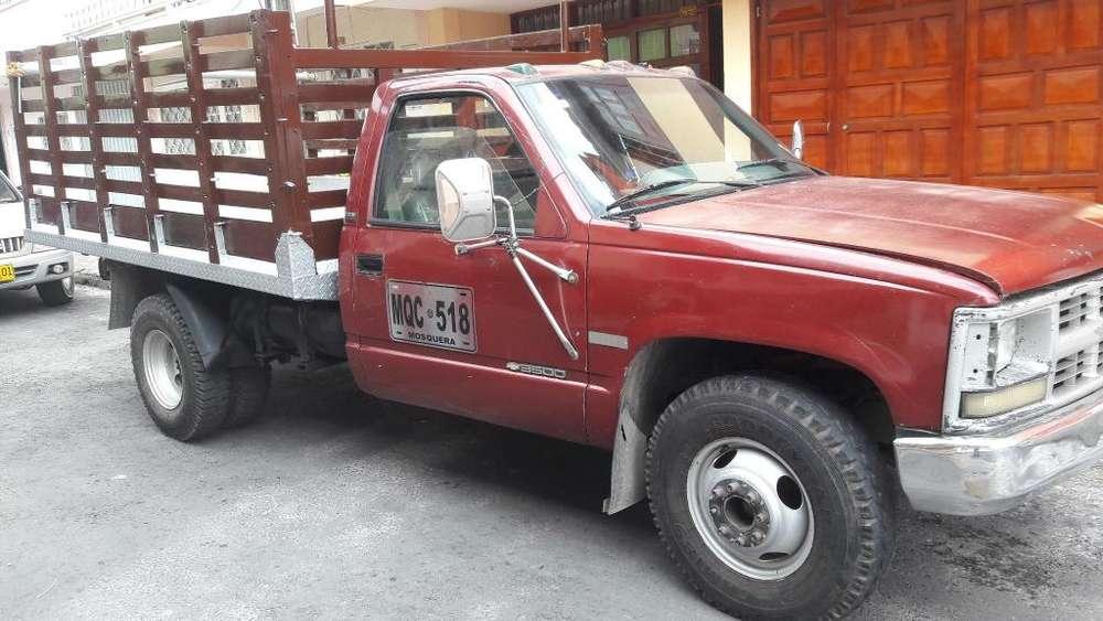 Rentable camión 350 Chevrolet