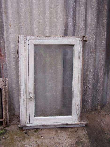 ventana madera una hoja de abrir