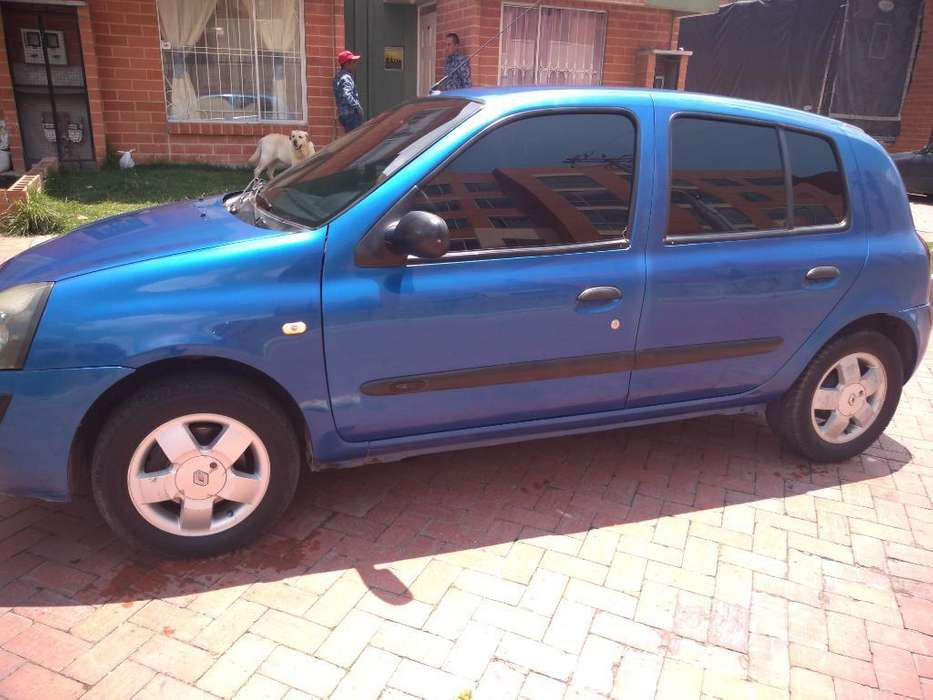 Renault Clio  2005 - 180000 km
