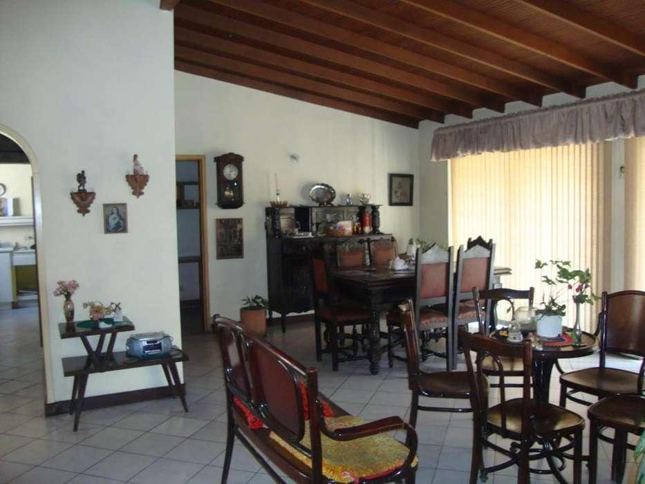 Arriendo casa 2do piso en Calasanz parte baja. - wasi_1351263