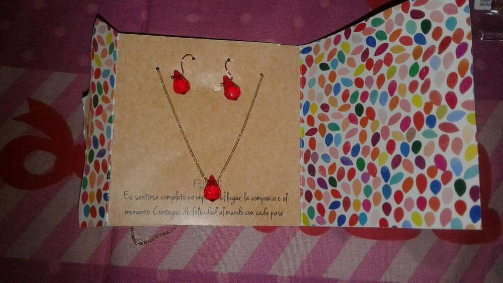 Set de Collar Avon