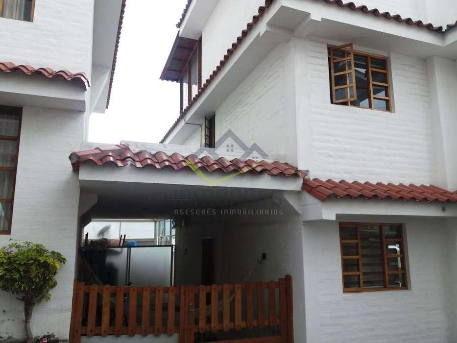 Venta de Casa en Urb. Privada, cerca de Urabá, Quito
