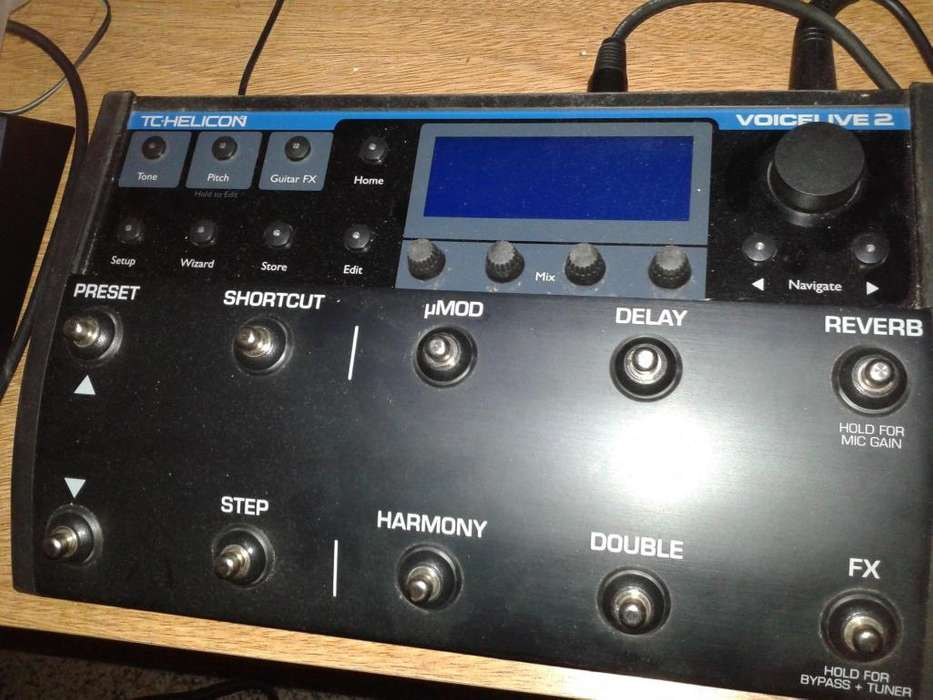 TC Helicon Voice Live 2 - Pedal para efectos vocales