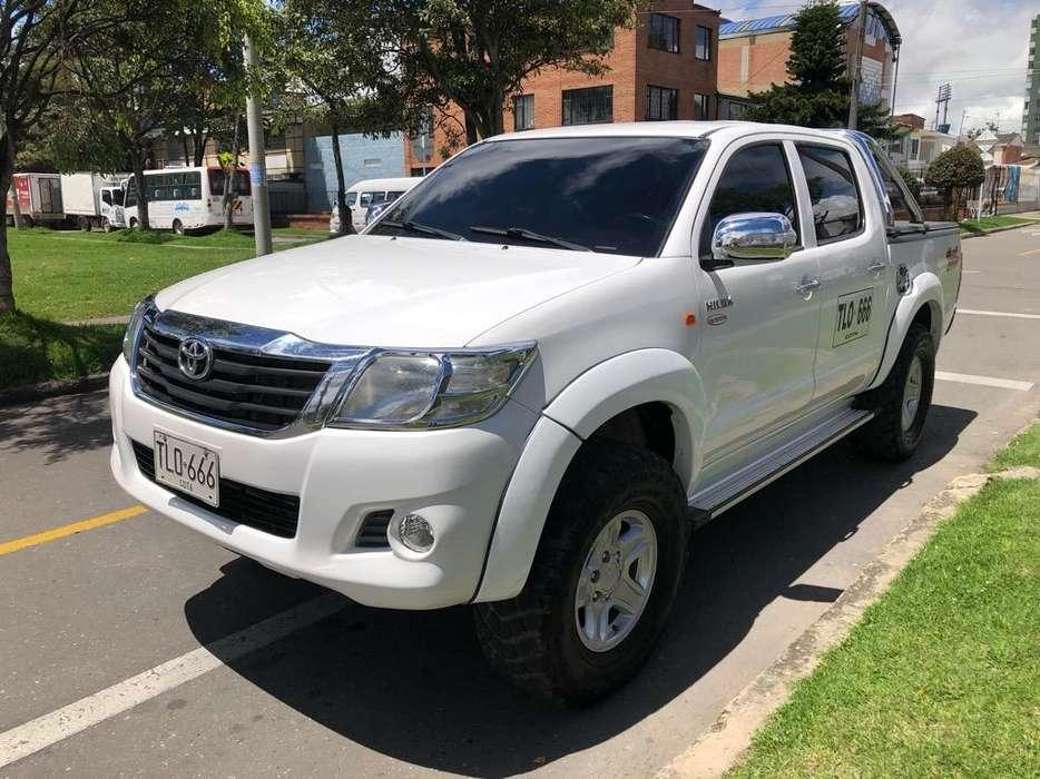 Toyota Hilux 2013 - 98000 km