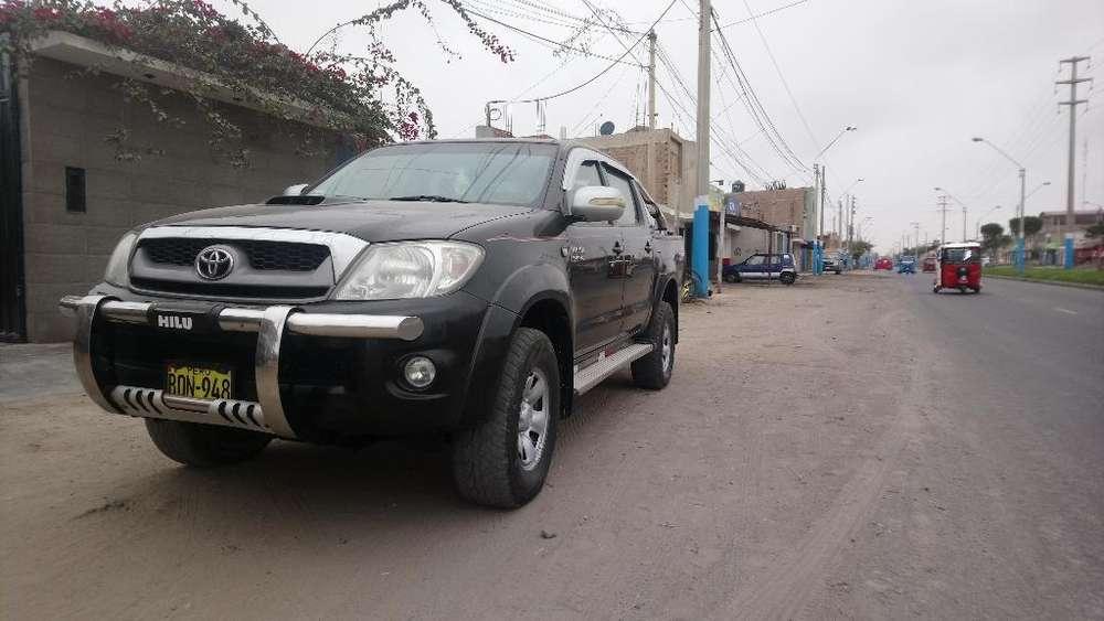 Toyota Hilux 2011 - 138679 km
