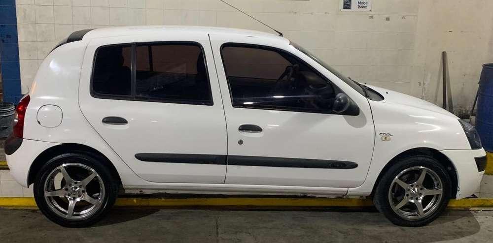 Renault Clio  2006 - 180000 km