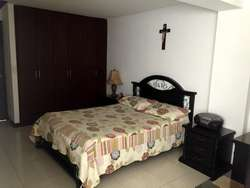 Casa Los Parrales multicentro remodelada con garaje sector jordan av guabinal cerca centros comerciales