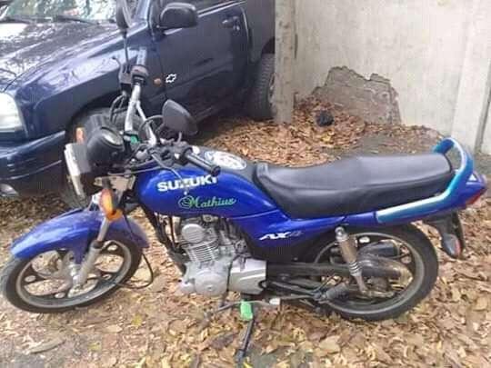 Moto suzuki 110 sin multa al dia 0983988547