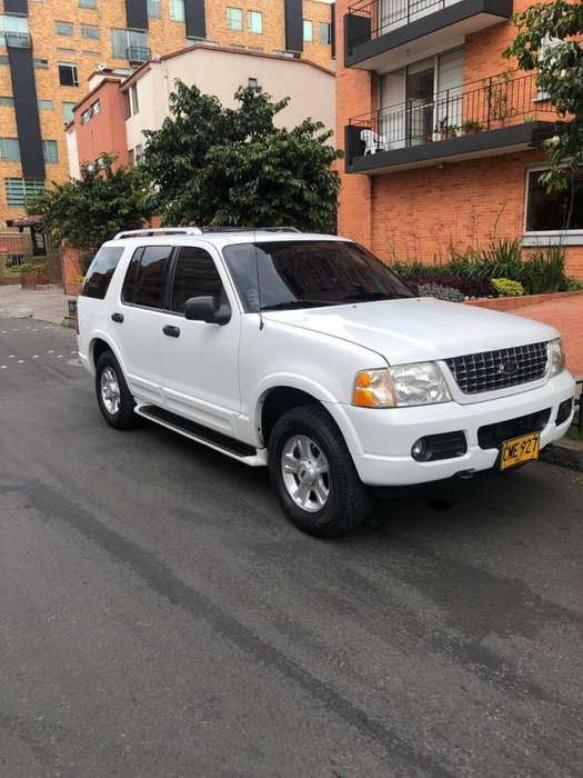 Ford Explorer 2004 - 105000 km
