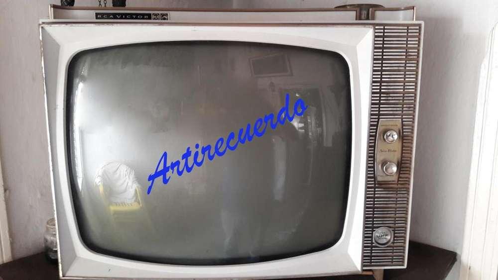 Televisor Antiguo de tubos RCA Victor año 1964 No Funciona