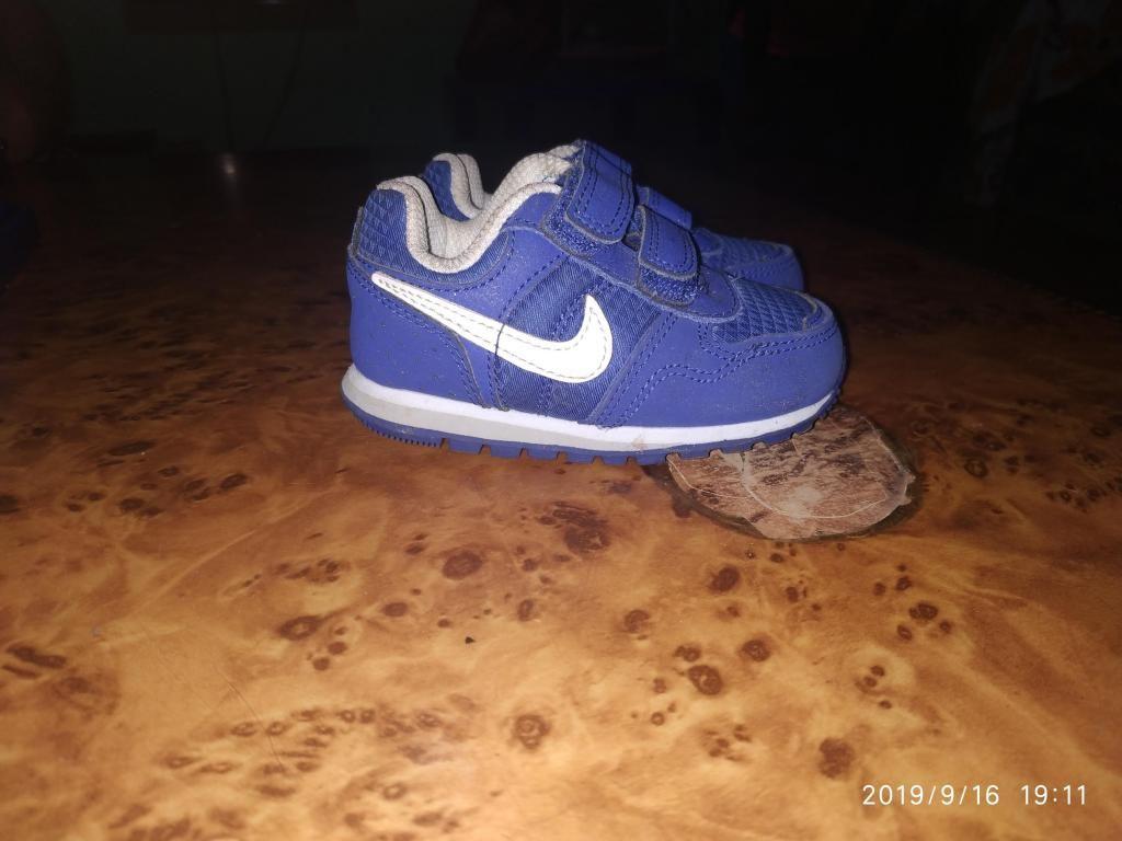 Zapato nike semi originales talla 19 Guayaquil