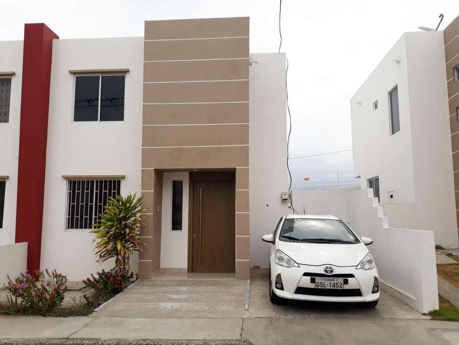 Alquiler de casa en Manta en Urbanización