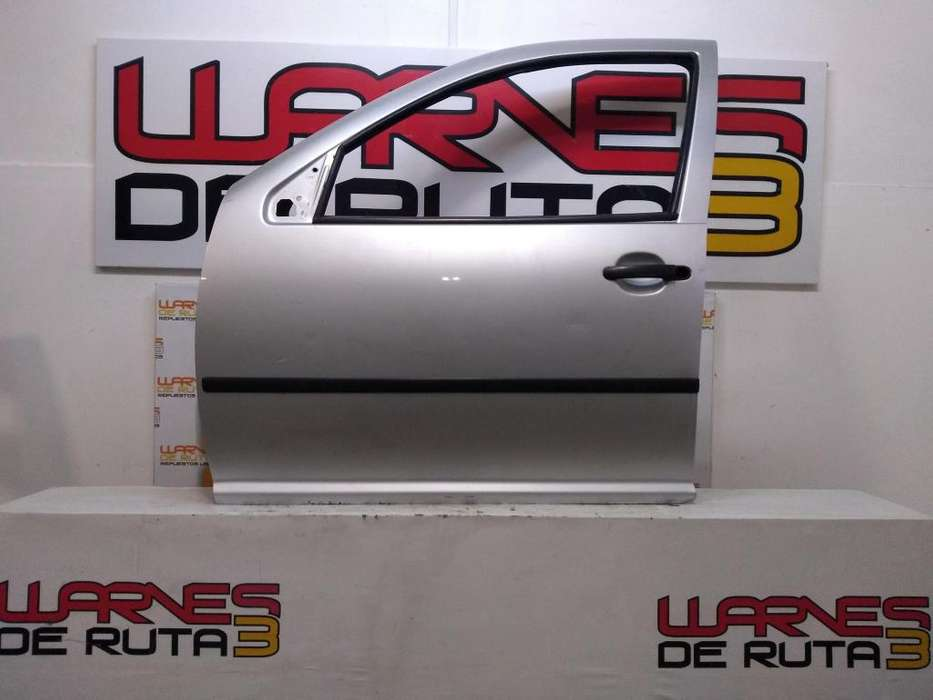 Puerta Delantera Izquierda Volkswagen Golf Bora 03102950