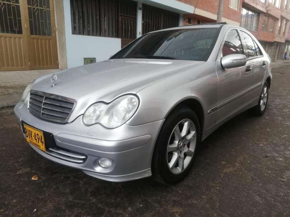 <strong>mercedes-benz</strong> Clase C 2005 - 97000 km
