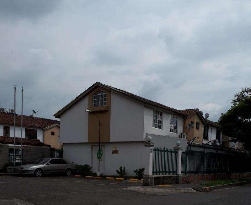 Cod. VBCMP763 Casa En Venta En Cali Urbanización La Flora