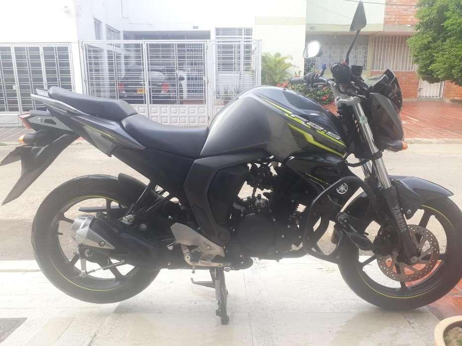 MOTO <strong>yamaha</strong> Fz 2.0