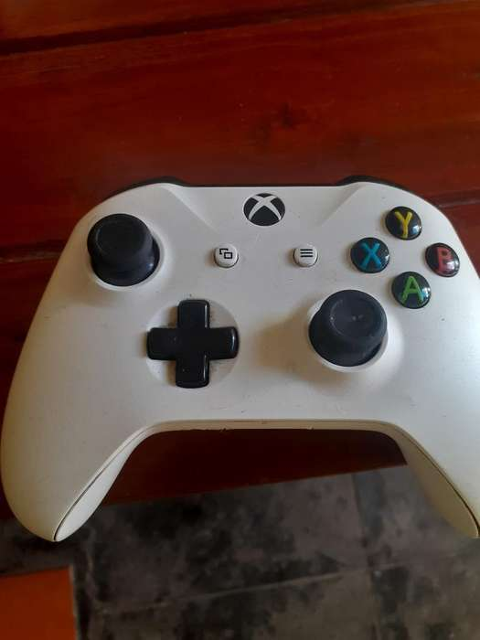Mando Xbox One Semi Nuevo