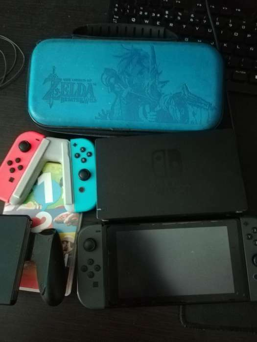 Nintendo Switch con Joycon Extra Sd 64gb