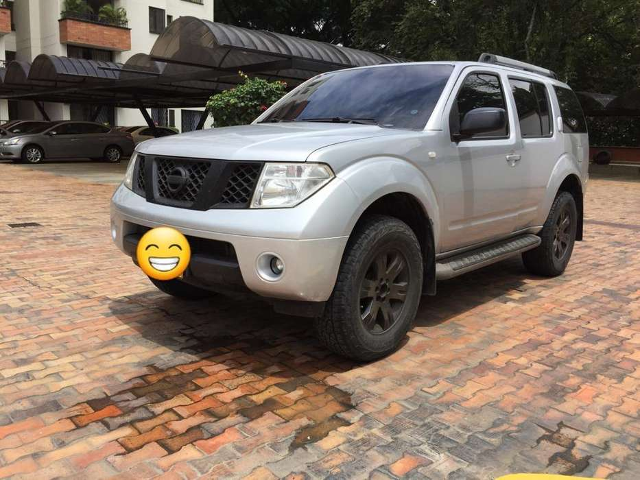Nissan Pathfinder 2006 - 142000 km