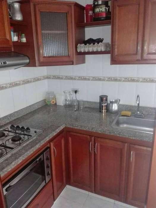 Vendo o Permuto apartamento a una cuadra y media de la Plaza de bolivar