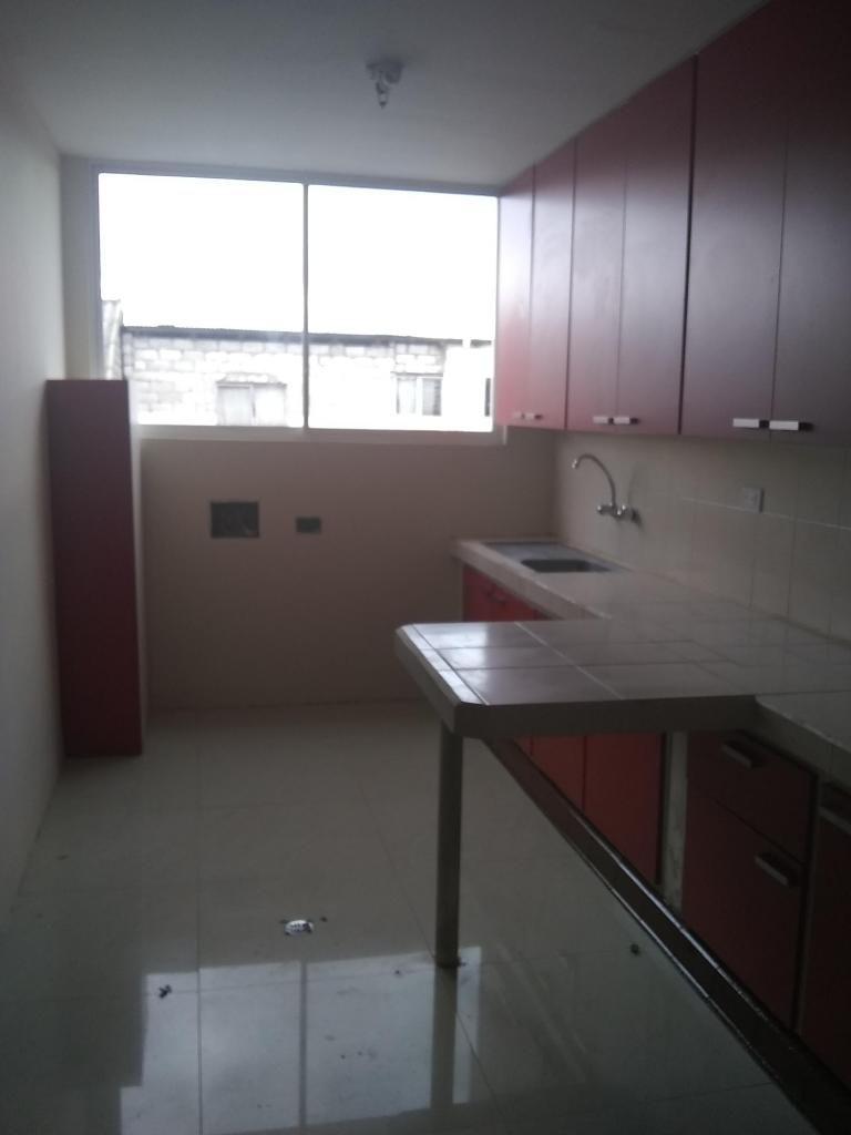 Alquilo departamento en Quito