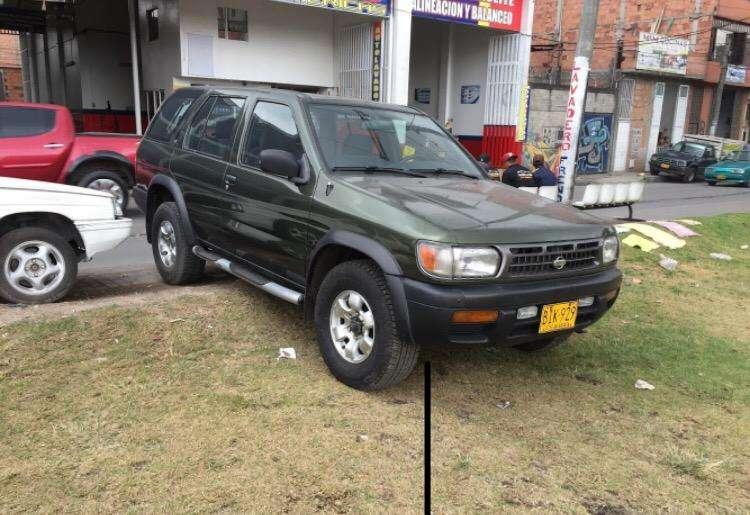 Nissan Pathfinder 1997 - 155000 km