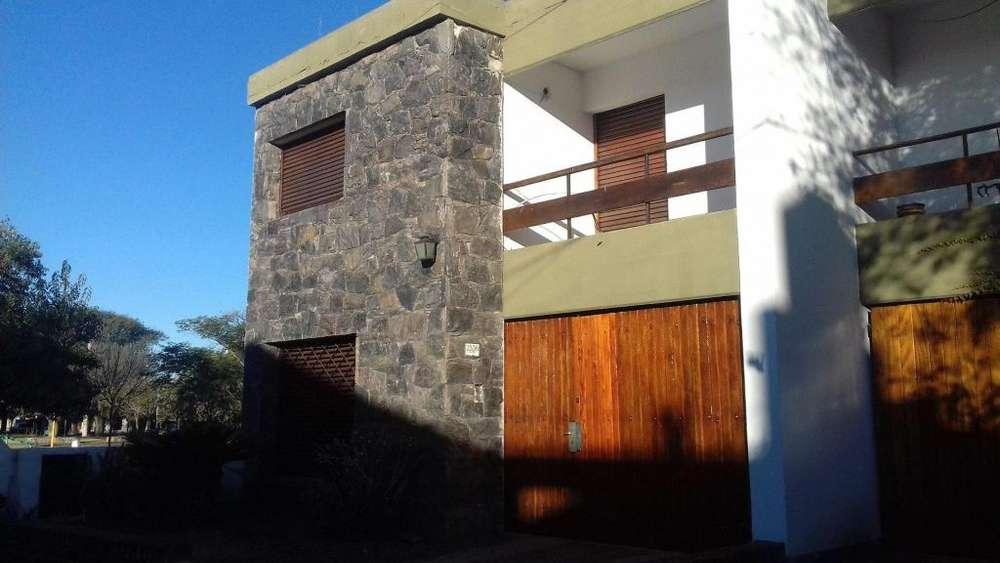 <strong>duplex</strong> en alquiler Cerro de las rosas