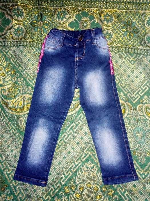 Vendo Jeans D Nena T 5 hasta Los 3 Años