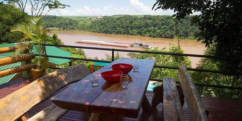 un80 - Cabaña para 2 a 6 personas con pileta y cochera en Puerto Iguazú