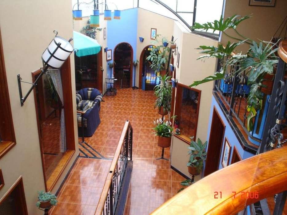 En venta casa con local y apartamento en LA CRUZ - Nariño