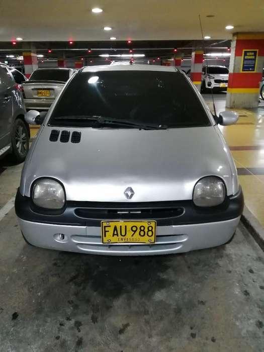 Renault Twingo 2004 - 2 km