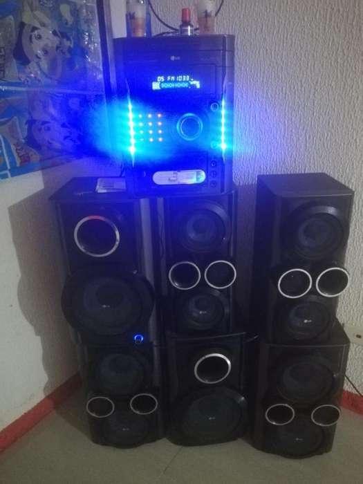 Equipo de Sonido Lg Flamante