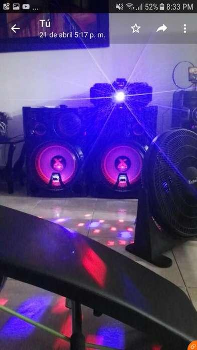 Potente sonido LG XBOOM CM 9960