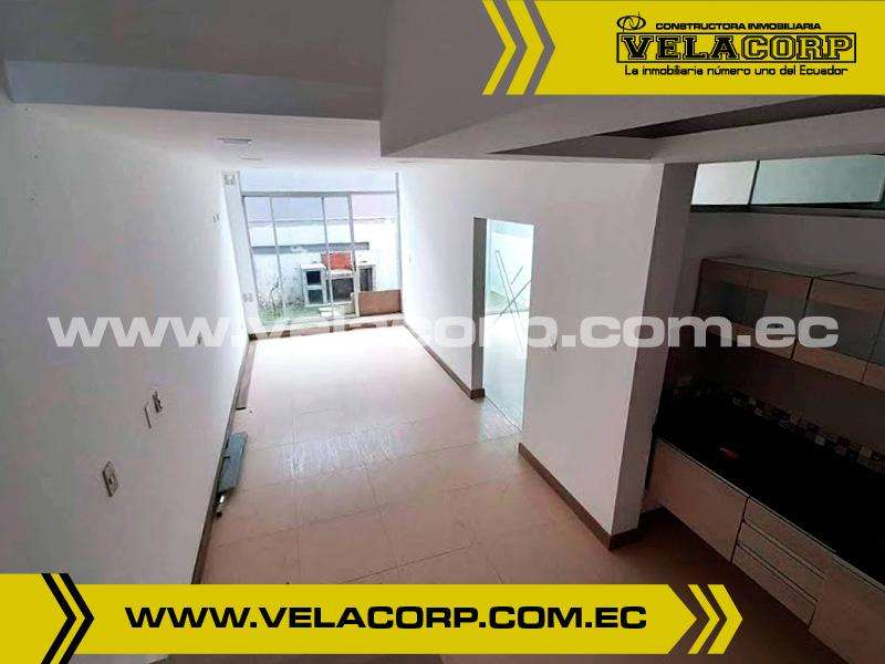 VENDO SUITE EN URB. VISTA HERMOSA